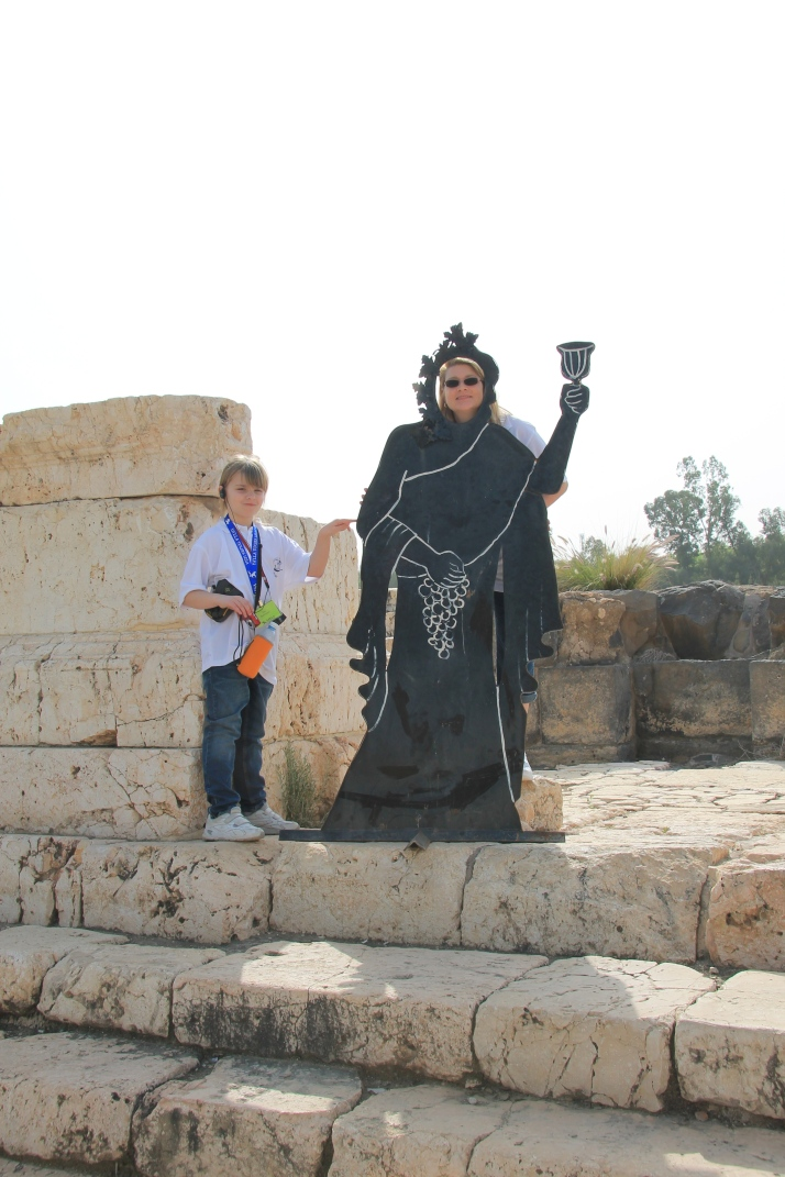 Zoë's mom plays a Roman Goddess
